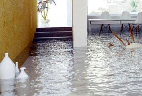 Затопило квартиру — что делать пострадавшей стороне?
