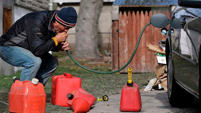 Что делать, если на АЗС залили некачественный бензин