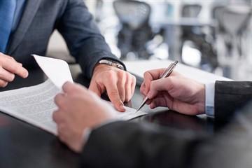 Как правильно оформить перенос отпуска по инициативе работодателя?