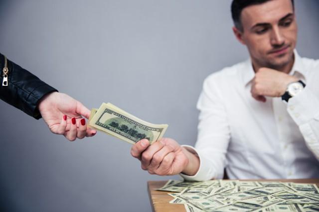 Моральный вред и его компенсация: критерии и расчет размера возмещения, судебная практика по гражданским делам