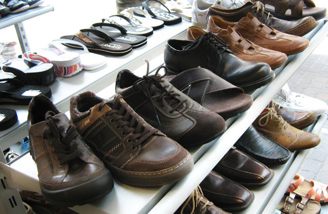 Как вернуть обувь в магазин в течение 14 дней без объяснения причин? Гарантийные сроки, порядок действий и необходимые документы