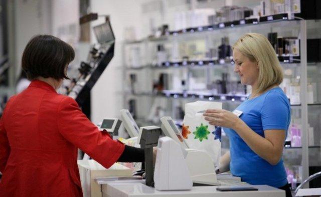 В течении какого времени можно вернуть товар в магазин с чеком или без него по закону?
