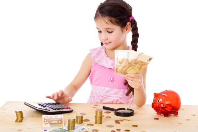 Пособие на детей до 3 лет в 2019 году: кто имеет право на выплату и как ее получить?