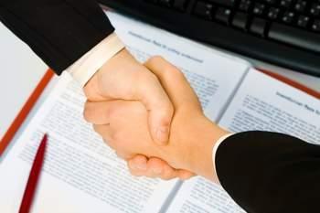 Как правильно заключается договор безвозмездной аренды земельного участка?
