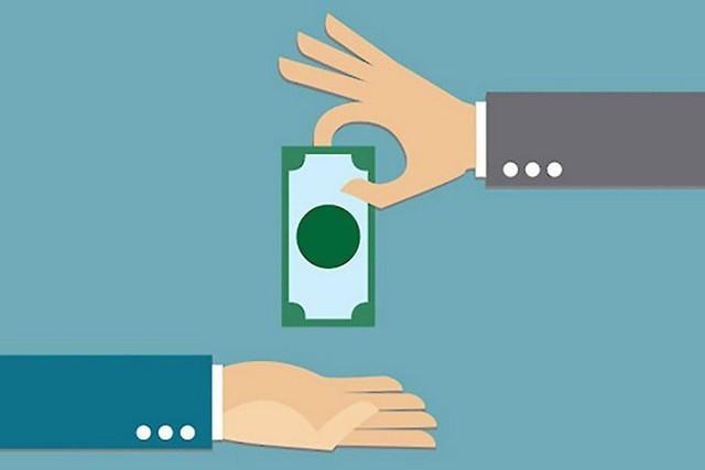 Возврат денежных средств за неоказанные услуги: порядок действий, образцы претензии и искового заявления