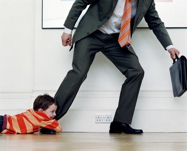 Как лишить бывшего мужа родительских прав без его согласия, за неуплату алиментов и по другим причинам?