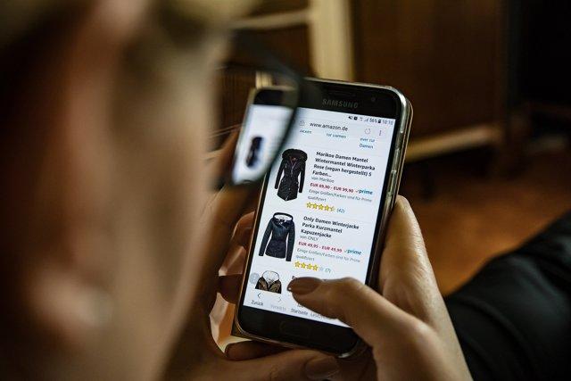 Что делать и куда обращаться, если интернет-магазин не возвращает деньги за приобретенный товар?