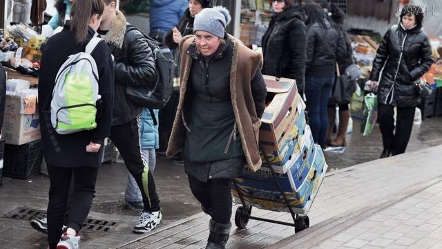 Сколько людей в России живет за чертой бедности. Изучаем статистику и сравниваем с другими странами