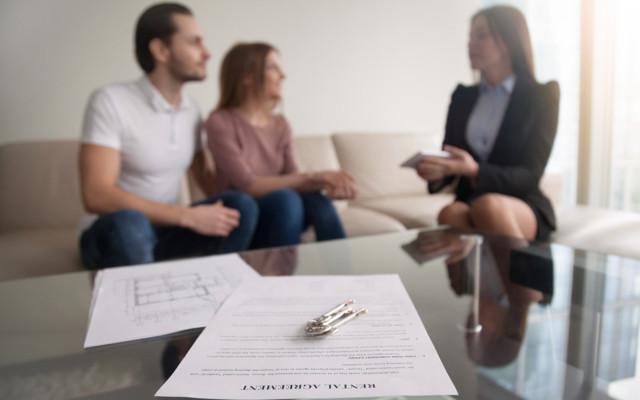 Какие условия необходимо включить в договор аренды жилья и как правильно оформить документ?