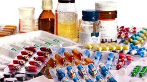 Как вернуть деньги за лекарства инвалидам и пенсионерам? Образец заявления, необходимые документы и способы подачи