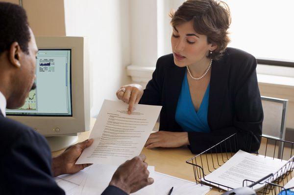 Как предоставляется отпуск по семейным обстоятельствам сотрудникам?