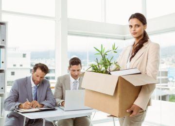 Предложение вакансии при сокращении: особенности и образец