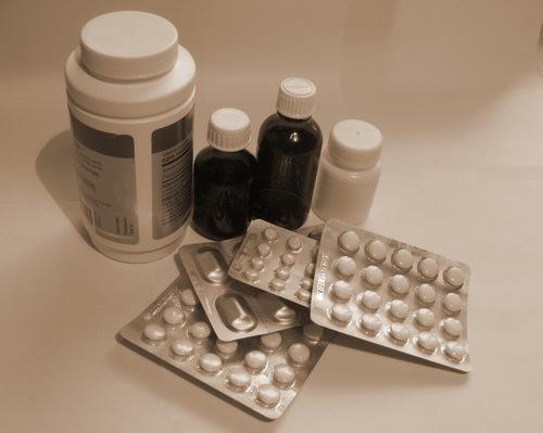 Налоговый вычет за лекарства в 2019 году: порядок получения, необходимые документы, перечень медицинских услуг