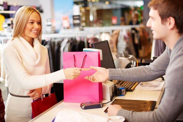 Можно ли вернуть платье обратно в магазин, если оно не понравилось: что говорит закон?