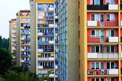 Незаконная сдача жилья в аренду: куда можно жаловаться и как составить заявление?