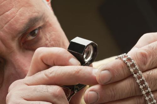 Проведение независимой экспертизы качества ювелирных изделий: виды, сроки, стоимость
