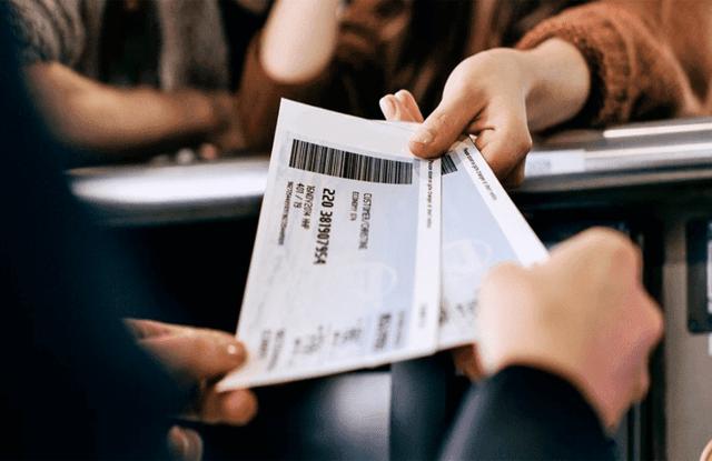 Можно ли сдать билет на поезд за другого человека: нужен ли паспорт при возврате через кассу?