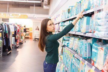 Можно ли вернуть подгузники обратно в магазин с чеком: что говорит закон?